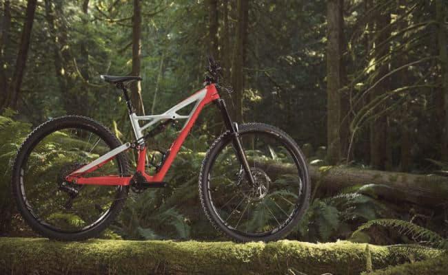 los mejores accesorios para tu bicicleta de montaña