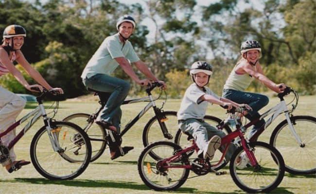 salida en bicicleta de toda la familia
